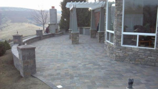 Pavers & Retaining Walls